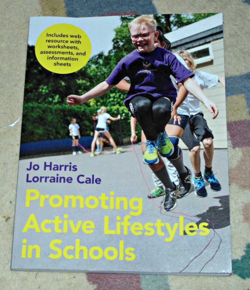 Promoting Active Lifestyles in Schools book cover