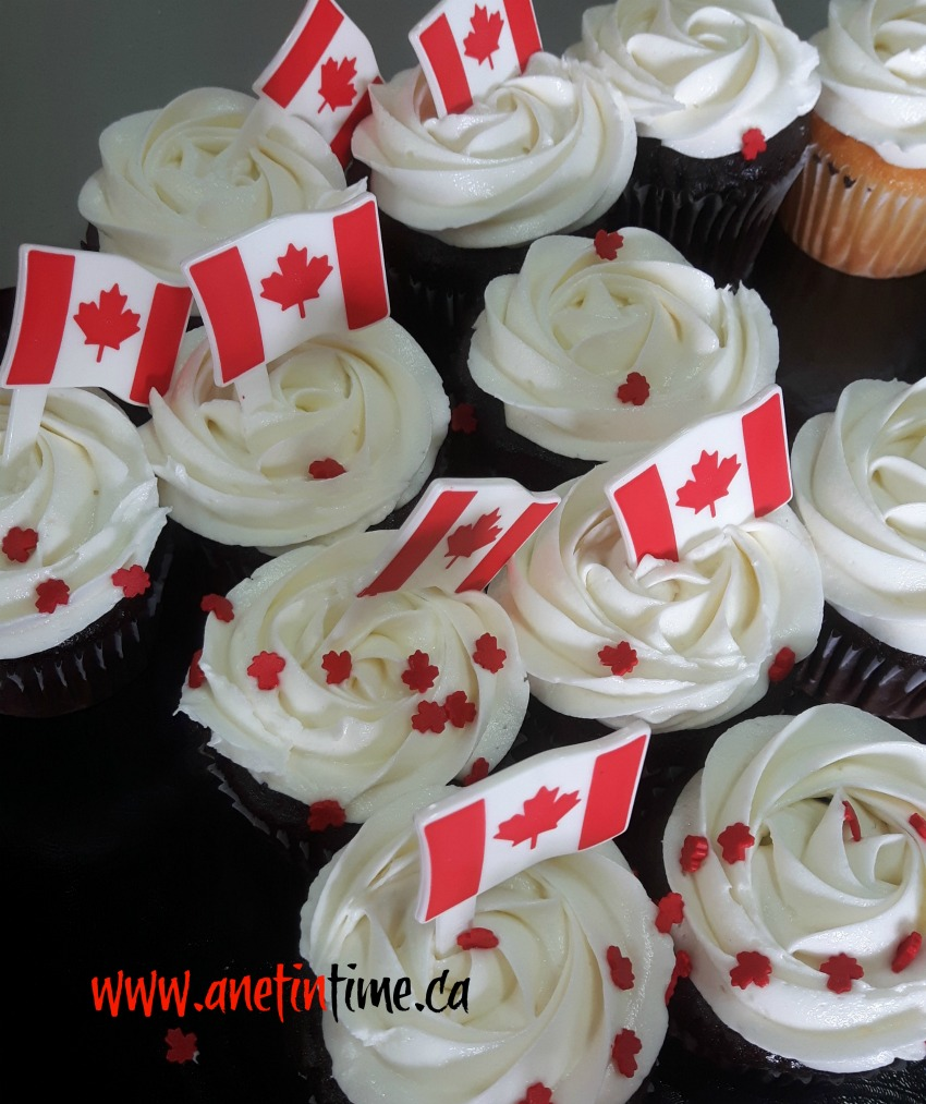 cupcakes decorated for Canada Day